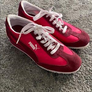 Puma wedge sneaker size 6